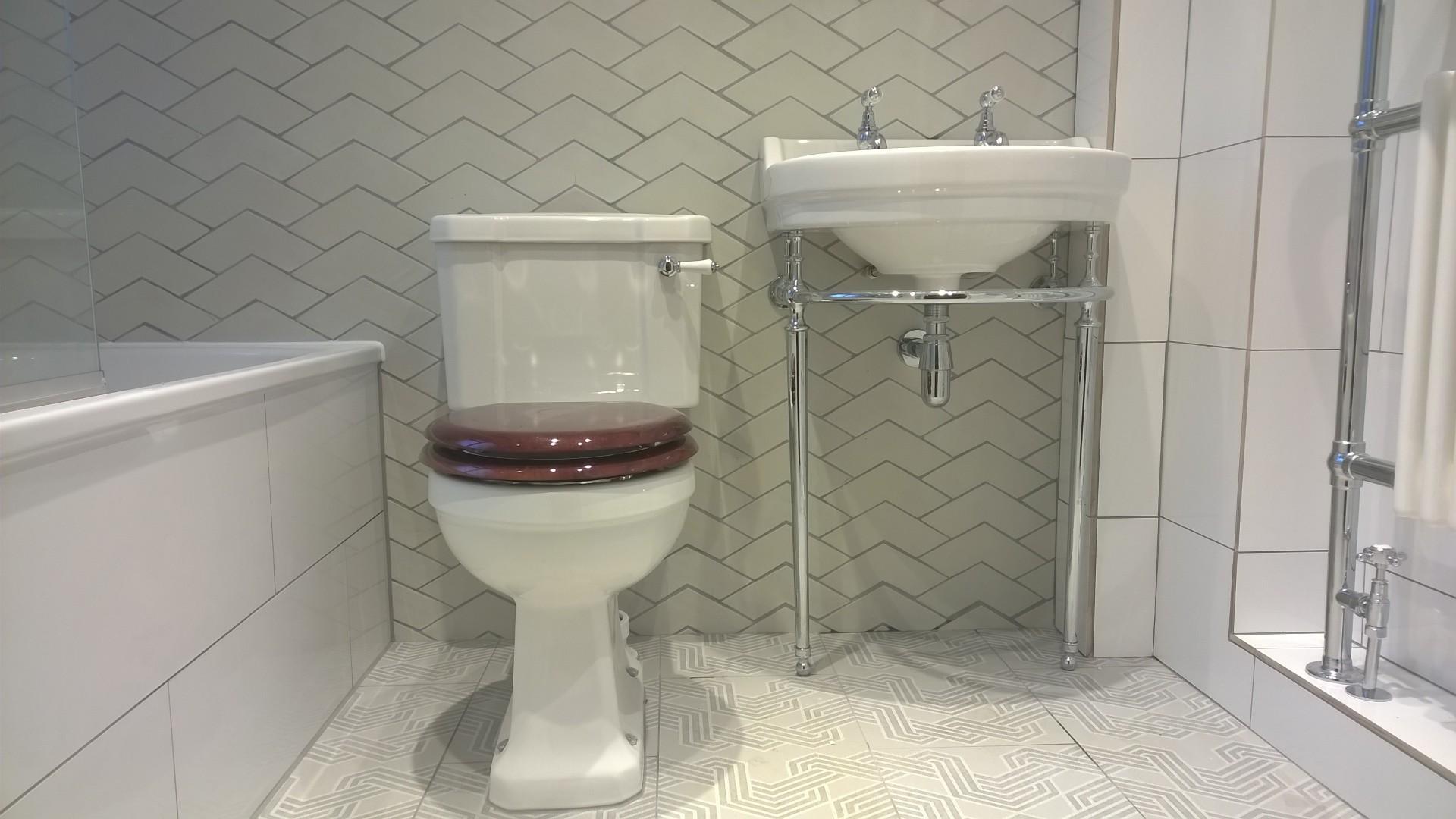 Burlington standard close-coupled pan with slimline lever cistern
